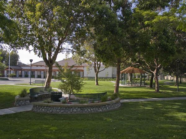 Film Cerritos Cerritos Senior Center At Pat Nixon Park